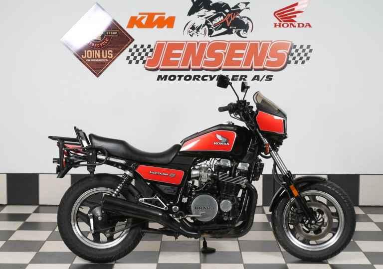 Honda CB 700